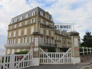 hotel_des_roches_noires_-_panneau